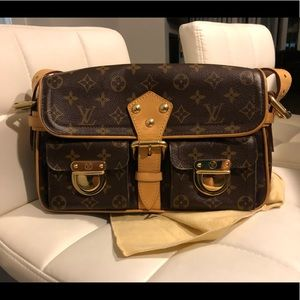 Louis Vuitton Hudson shoulder bag